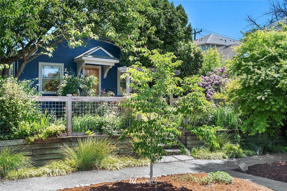 Photo of 5220 25th Avenue SW, Seattle, WA 98106 (MLS # 1785380)