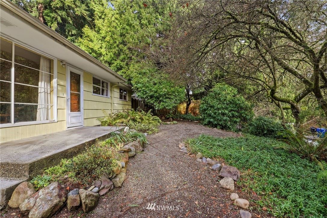 Photo of 11345 28th Avenue NE, Seattle, WA 98125 (MLS # 1712383)