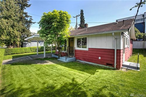 Photo of 2821 E Denny Wy, Seattle, WA 98122 (MLS # 1563385)