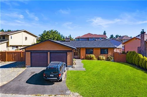 Photo of 2418 SW 306th Place, Federal Way, WA 98023 (MLS # 1813387)