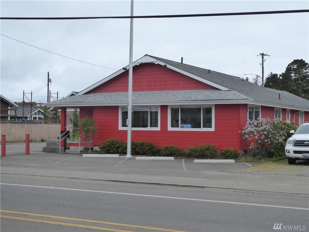 Photo of 1711 Pacific Ave S, Long Beach, WA 98631 (MLS # 1597391)