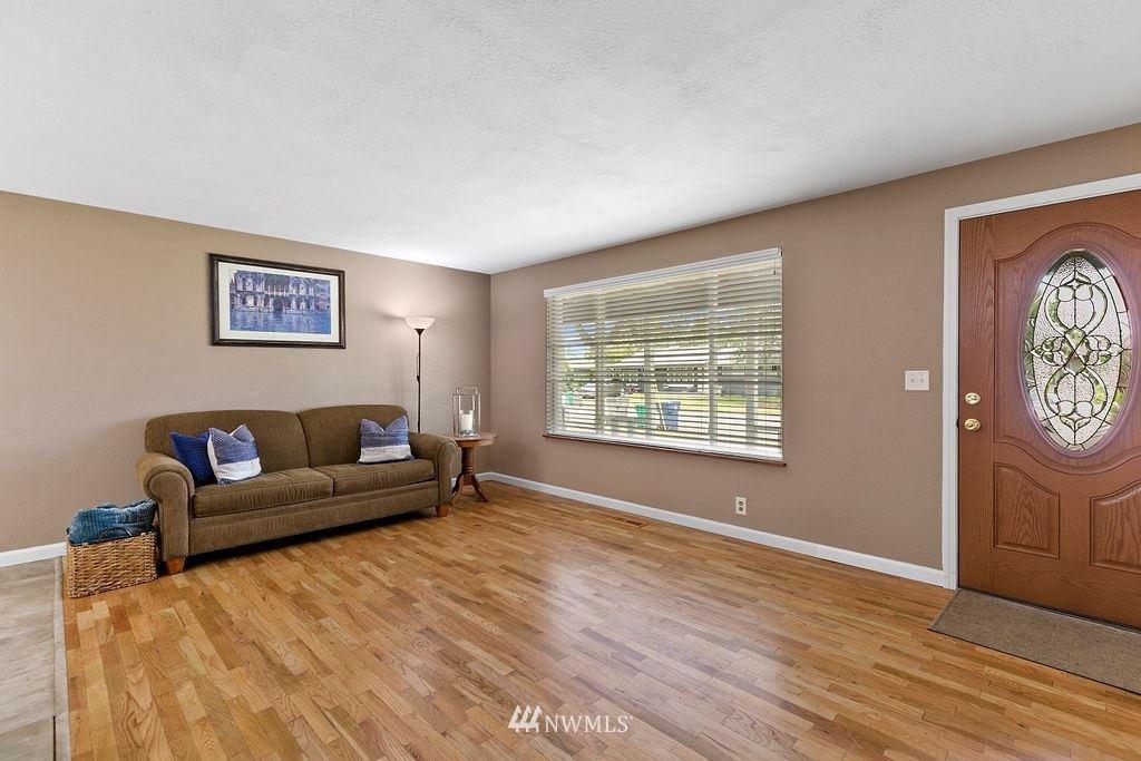 Photo of 1020 19th Street SE, Auburn, WA 98002 (MLS # 1792398)