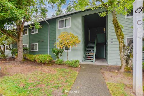 Photo of 921 130th Street SW #C206, Everett, WA 98204 (MLS # 1666403)