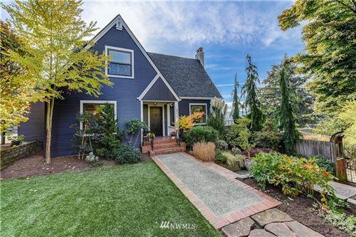 Photo of 4511 NE 38th Street, Seattle, WA 98105 (MLS # 1683403)