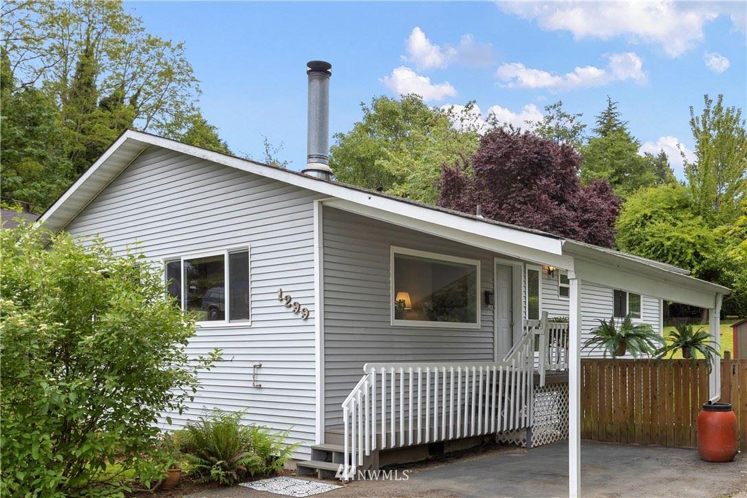 Photo of 1299 SW Orchard Street, Seattle, WA 98106 (MLS # 1776406)