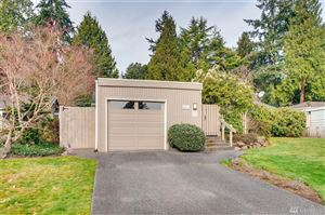 Photo of 2033 77th Ave NE, Medina, WA 98039 (MLS # 1429409)