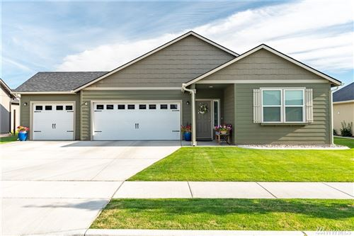 Photo of 1341 E Burr, Moses Lake, WA 98837 (MLS # 1630411)
