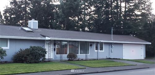 Photo of 1106 7th Avenue NW, Puyallup, WA 98371 (MLS # 1716411)