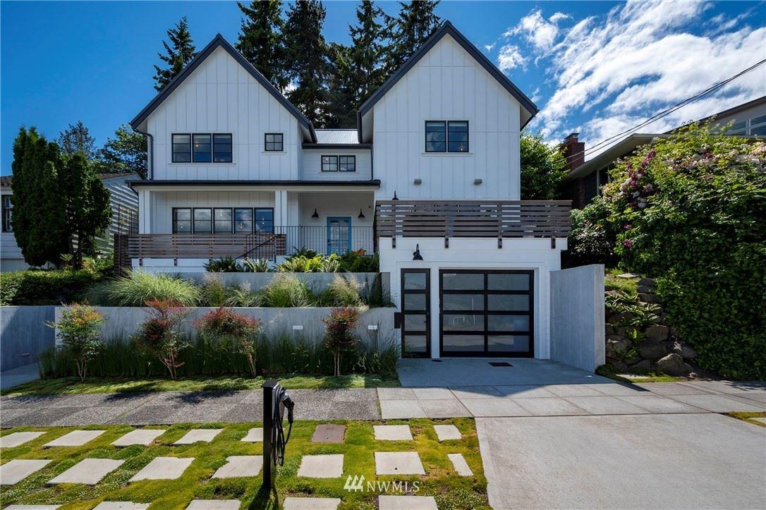 Photo of 2821 W Jameson Street, Seattle, WA 98199 (MLS # 1787415)