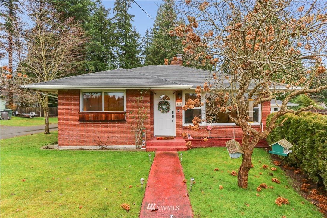 Photo of 928 Woodlawn Avenue, Everett, WA 98203 (MLS # 1714416)