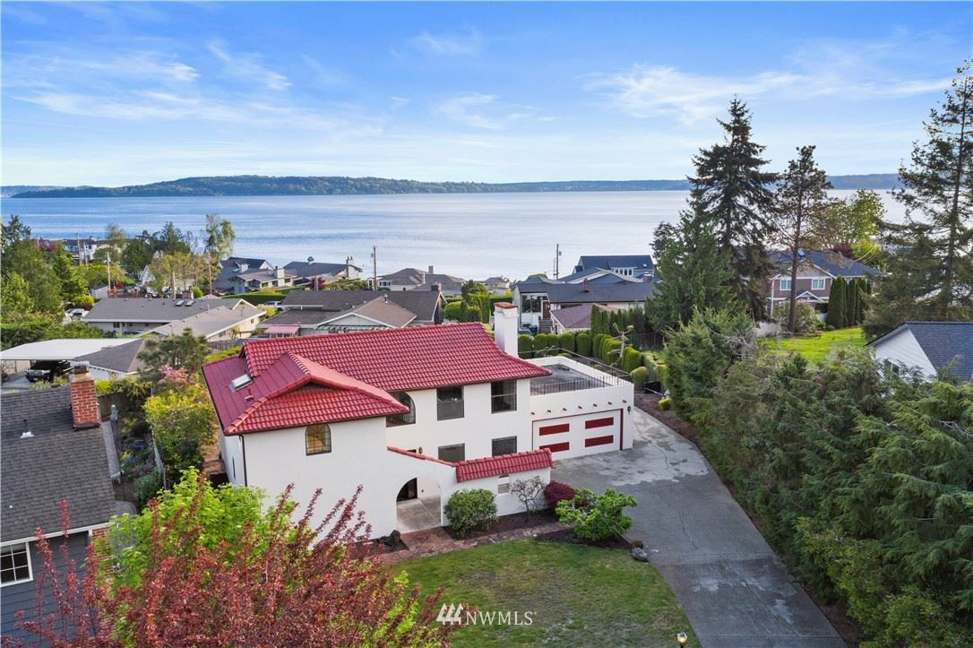 Photo of 17903 Brittany Drive SW, Normandy Park, WA 98166 (MLS # 1761416)