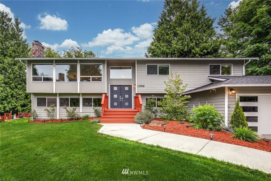 Photo of 13916 Beverly Park Road, Lynnwood, WA 98087 (MLS # 1775416)