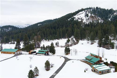 Photo of 18495 Camp 12 Road, Leavenworth, WA 98826 (MLS # 1720418)