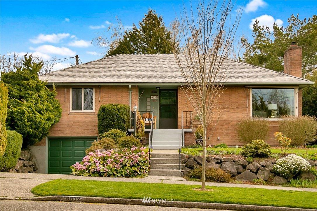 Photo of 6832 43rd Avenue NE, Seattle, WA 98115 (MLS # 1749419)