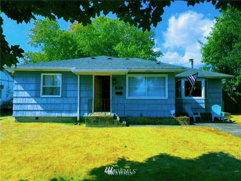 Photo of 923 20Th, Longview, WA 98632 (MLS # 1844419)