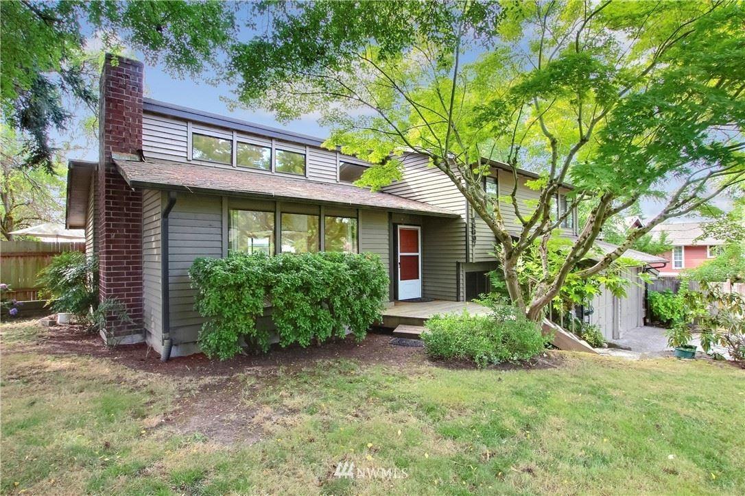 Photo of 15807 62nd Place NE, Kenmore, WA 98028 (MLS # 1650420)