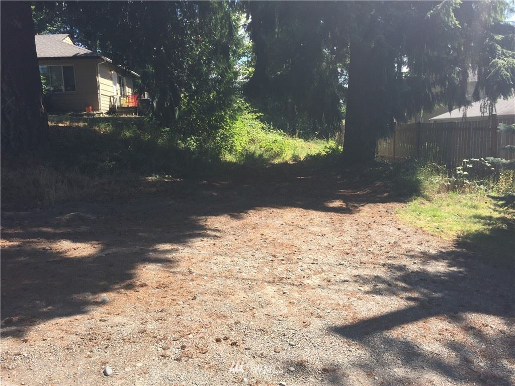 Photo of 918 101st St S, Tacoma, WA 98444 (MLS # 1568422)