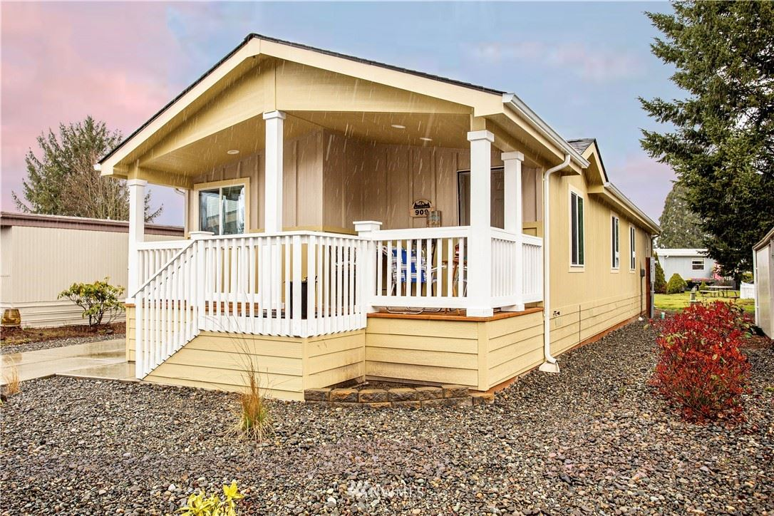 909 Mountain Villa Drive, Enumclaw, WA 98022 - MLS#: 1698422