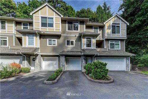 Photo of 6843 SE Cougar Mountain Way, Bellevue, WA 98006 (MLS # 1645423)