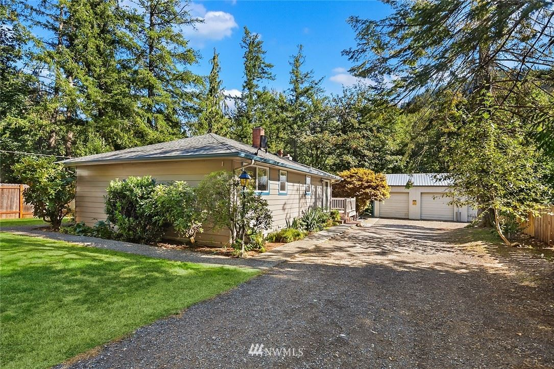 Photo of 26831 SE 76th Place, Issaquah, WA 98027 (MLS # 1650424)