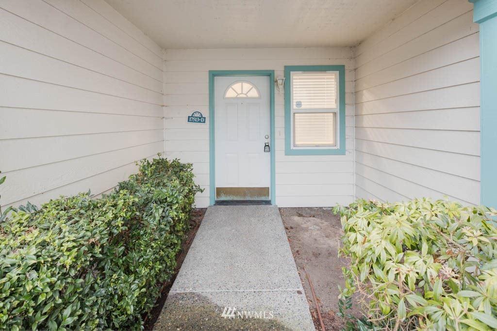 Photo of 17513 52nd Avenue W #D, Lynnwood, WA 98036 (MLS # 1714424)