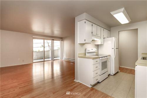 Photo of 11010 NE 68th Street #604, Kirkland, WA 98033 (MLS # 1805427)