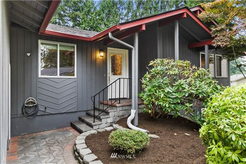 Photo of 12132 141st Place NE, Kirkland, WA 98034 (MLS # 1656430)