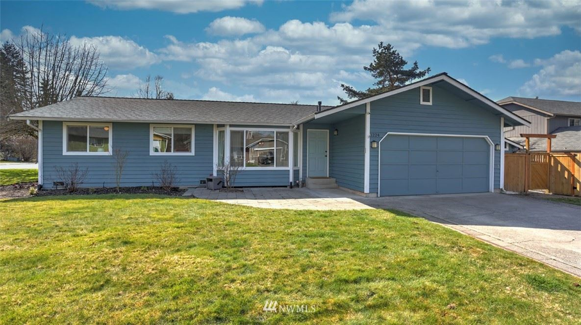Photo of 1224 225th Place SW, Bothell, WA 98021 (MLS # 1749430)