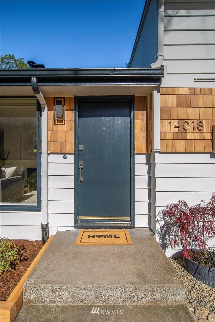 Photo of 14018 25th Avenue NE, Seattle, WA 98125 (MLS # 1766433)