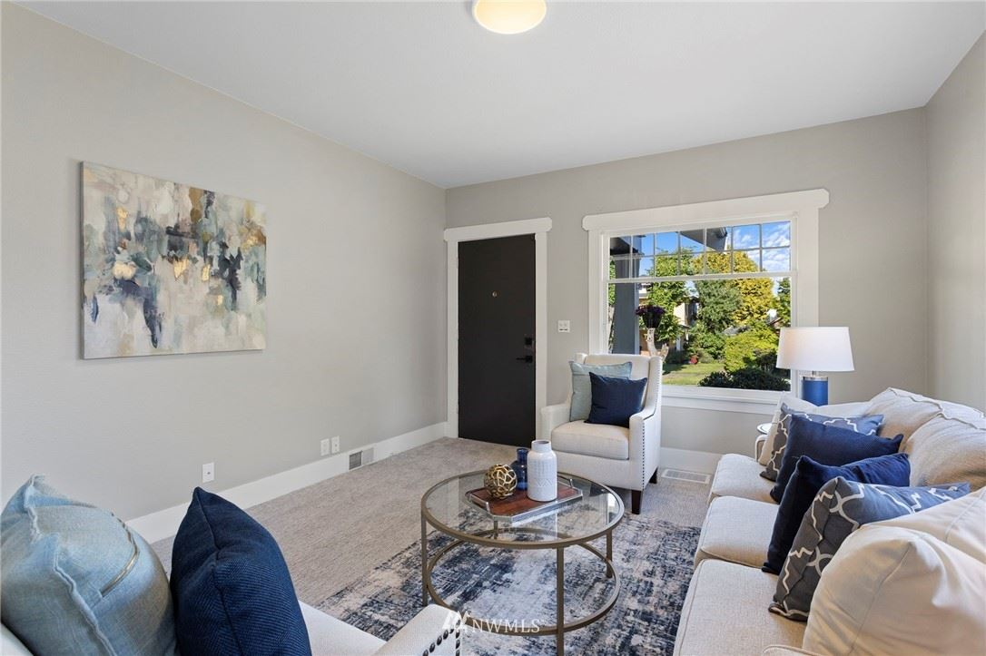 Photo of 2022 Virginia Avenue, Everett, WA 98201 (MLS # 1786433)