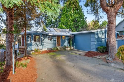 Photo of 2720 NE 103rd St, Seattle, WA 98125 (MLS # 1547436)