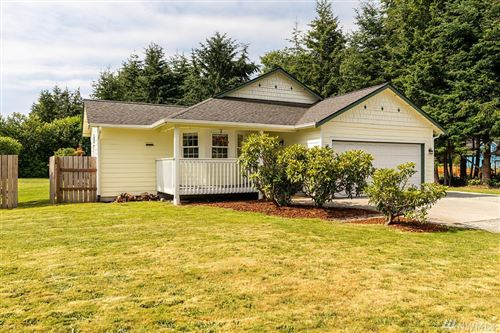 Photo of 1014 NE Summit Loop, Coupeville, WA 98239 (MLS # 1630437)
