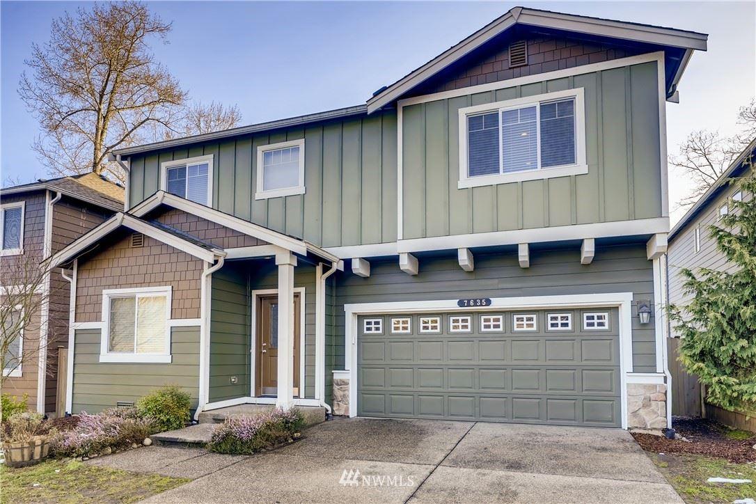 Photo of 7635 NE 198th Place, Kenmore, WA 98028 (MLS # 1731438)