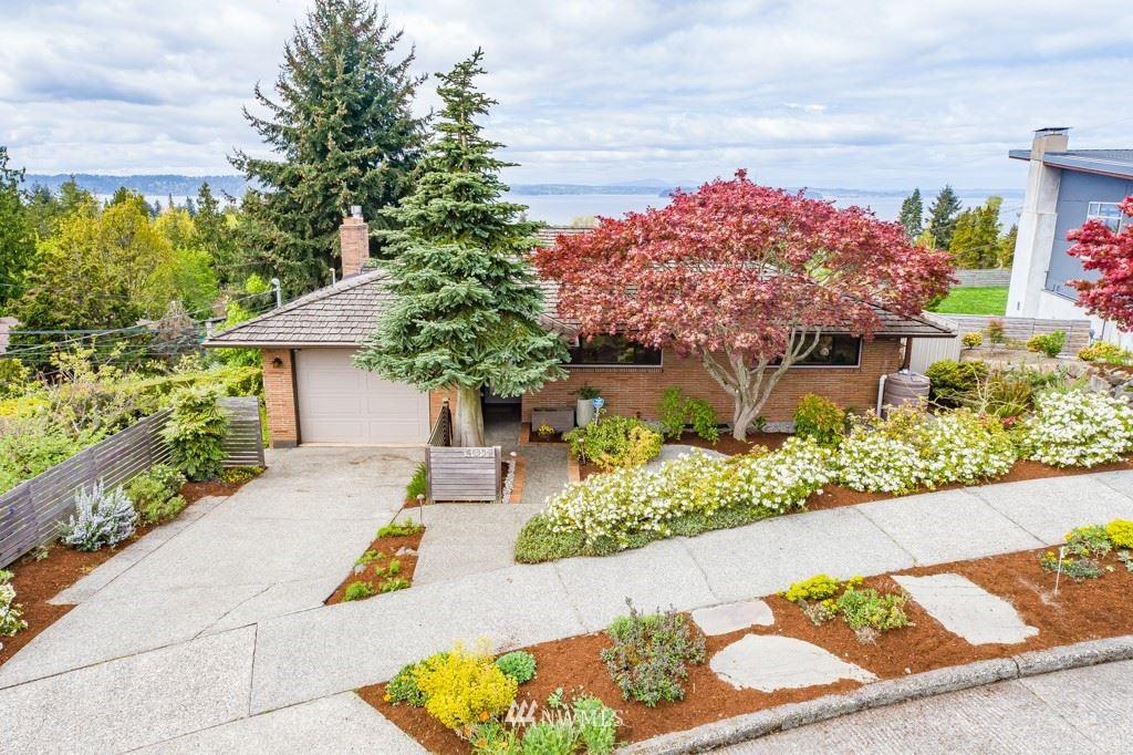 Photo of 4052 SW Henderson Street, Seattle, WA 98136 (MLS # 1761439)