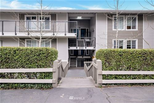 Photo of 3224 80th Avenue SE #6, Mercer Island, WA 98040 (MLS # 1733441)