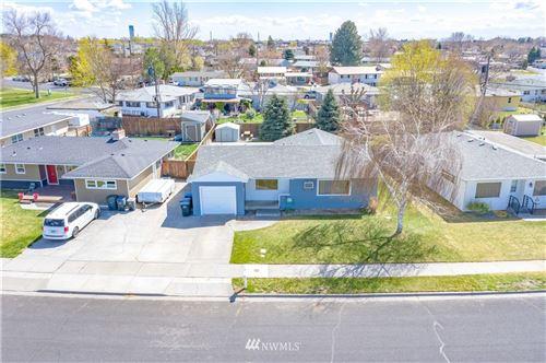 Photo of 815 S Evergreen Drive, Moses Lake, WA 98837 (MLS # 1755446)