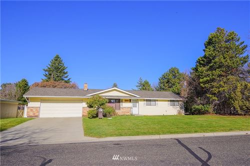 Photo of 1205 Vuecrest Avenue, Ellensburg, WA 98926 (MLS # 1756446)