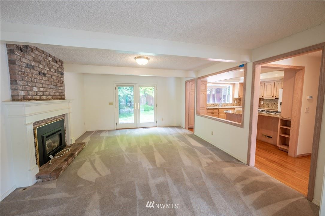 Photo of 12830 NE 111th Place, Kirkland, WA 98033 (MLS # 1796446)