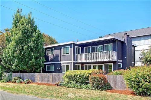 Photo of 9001 Fremont Avenue N, Seattle, WA 98103 (MLS # 1648451)