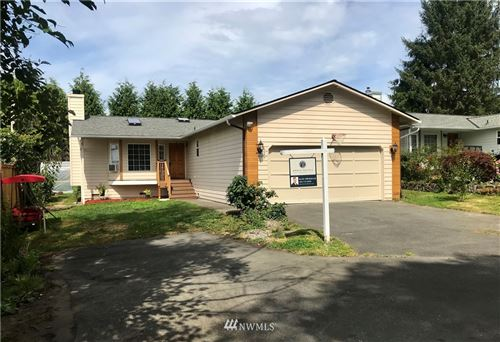 Photo of 627 54th Street SW, Everett, WA 98203 (MLS # 1646454)