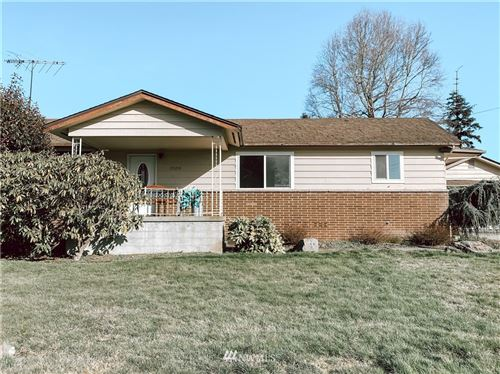 Photo of 20210 104th Place SE, Kent, WA 98031 (MLS # 1737457)