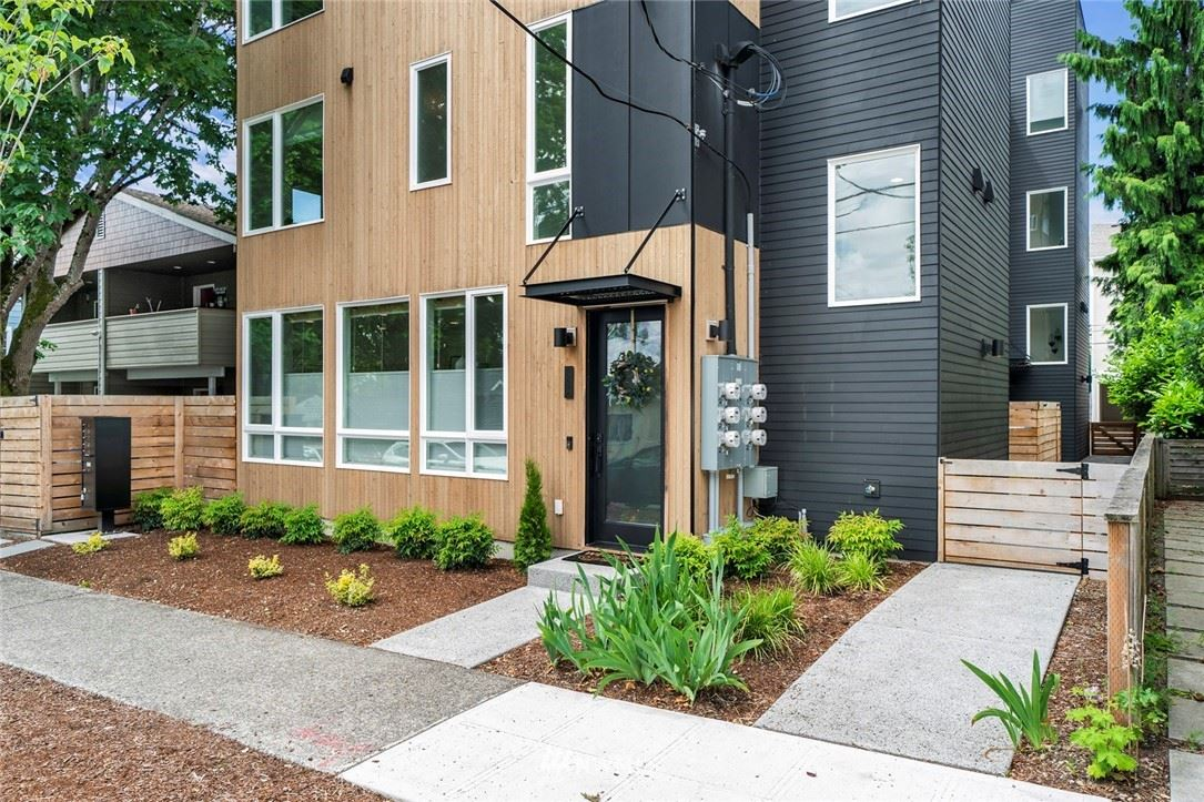 Photo of 8553 Interlake Avenue N #A, Seattle, WA 98103 (MLS # 1786457)