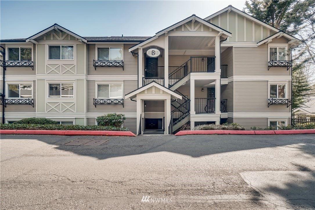 Photo of 11303 NE 128th Street #B103, Kirkland, WA 98034 (MLS # 1784463)