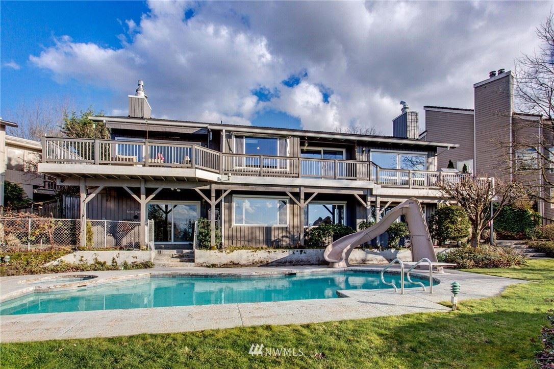 Photo of 13600 SE 58th Place, Bellevue, WA 98006 (MLS # 1729464)