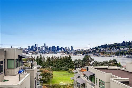 Photo of 1700 N Northlake Way #308, Seattle, WA 98103 (MLS # 1679471)