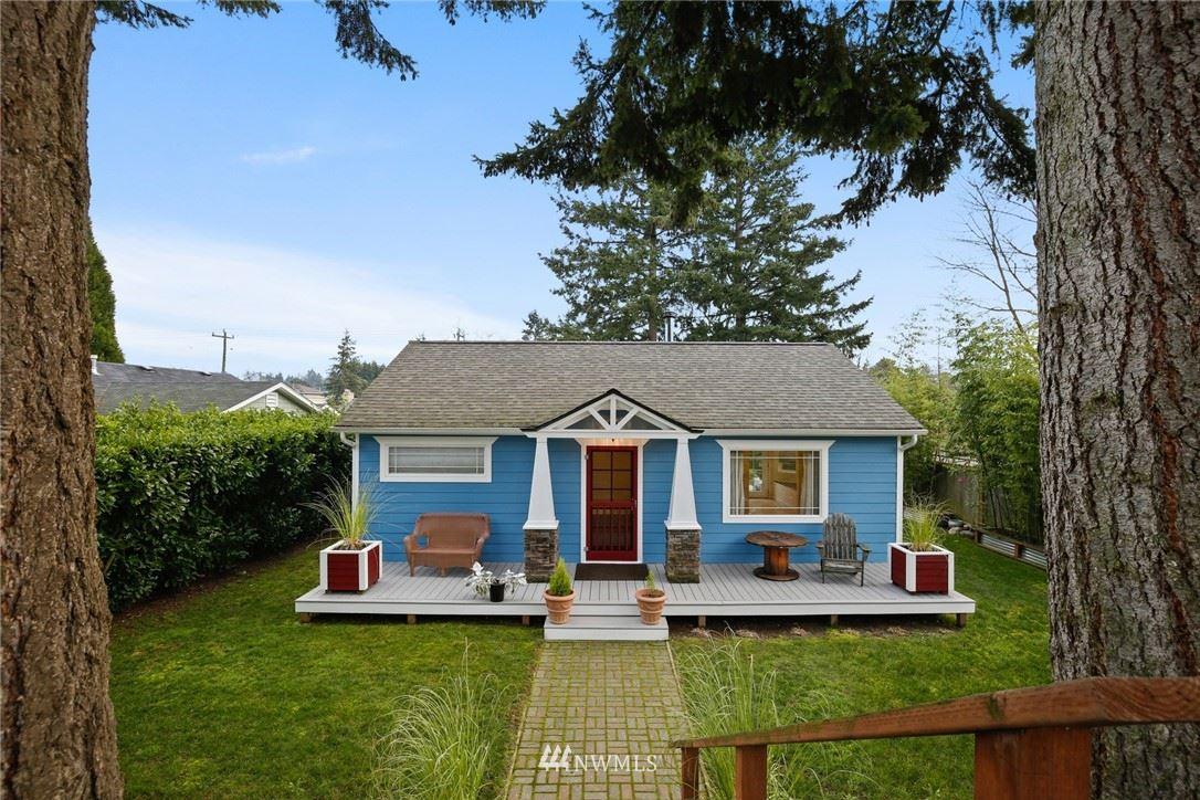Photo of 9734 31st Avenue SW, Seattle, WA 98126 (MLS # 1719471)
