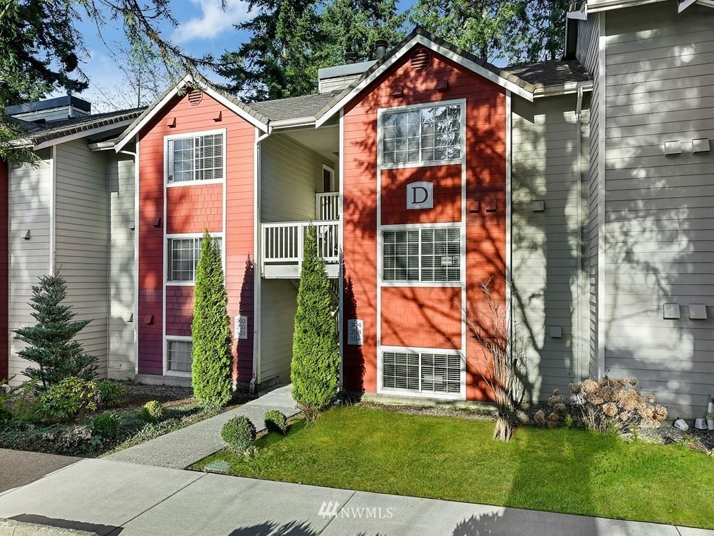 Photo of 15433 Country Club Dr #D104, Mill Creek, WA 98012 (MLS # 1742474)