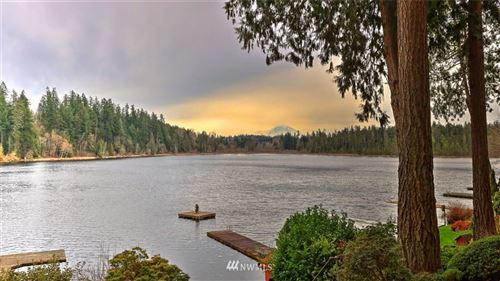 Photo of 18110 W Spring Lake Drive SE, Renton, WA 98058 (MLS # 1721483)