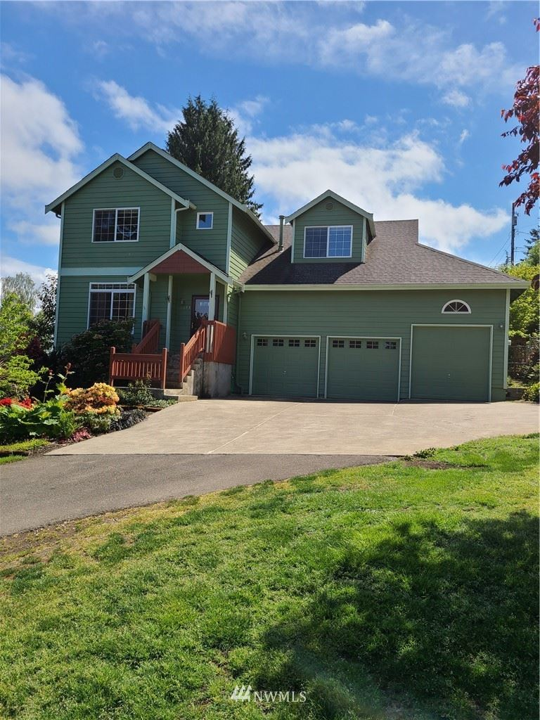 Photo of 1013 S 204th Street, Des Moines, WA 98198 (MLS # 1766484)