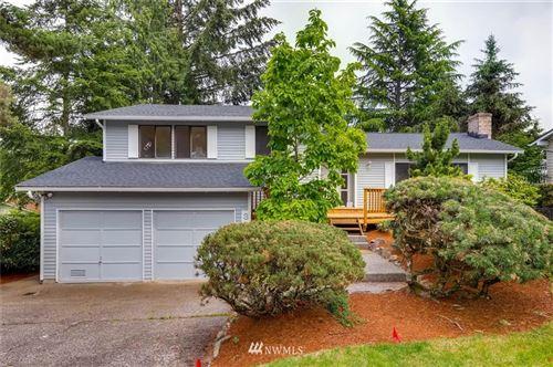 Photo of 3306 170th Avenue NE, Bellevue, WA 98008 (MLS # 1719485)